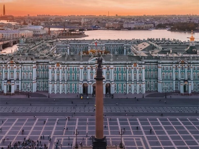 Экскурсия в Эрмитаж — Зимний дворец: пир для глаз