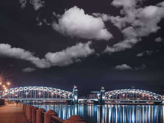 Ночной Санкт-Петербург — иллюминация, мифы, мосты