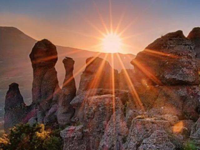 Гора Демерджи: Долина привидений, Фуна и Джур-Джур