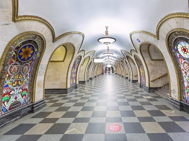 Московский метрополитен: подземные дворцы