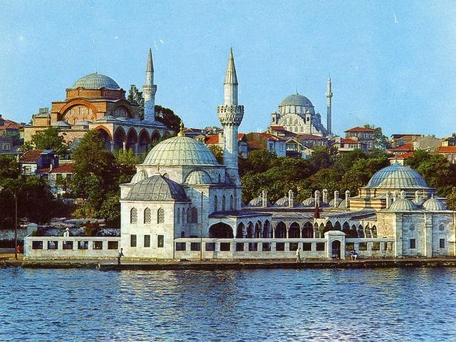 Изучаем красоты Стамбула: 2 континента за 1 день!