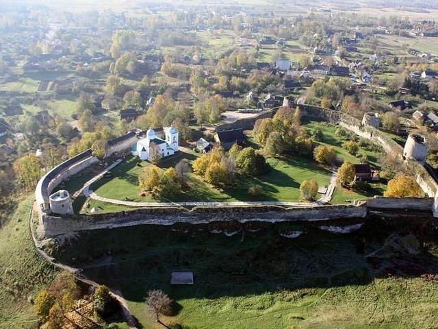 Благодать святого места: монастырь и Изборск
