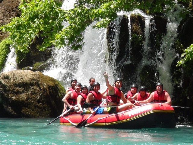 Экстрим по-турецки: рафтинг в Кёпрюлю-каньоне