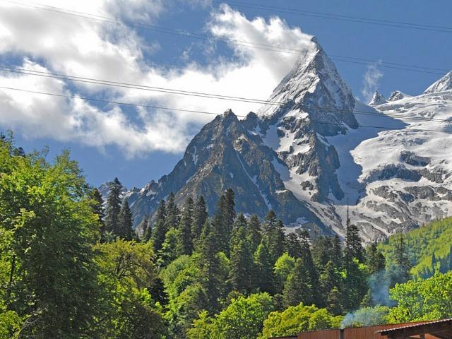 Домбай: путь к вершинам Кавказа