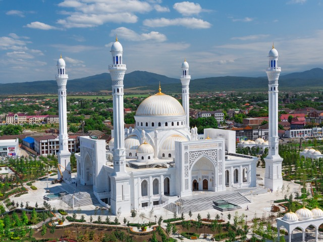 Чечня: 3 города и 3 самые красивые мечети