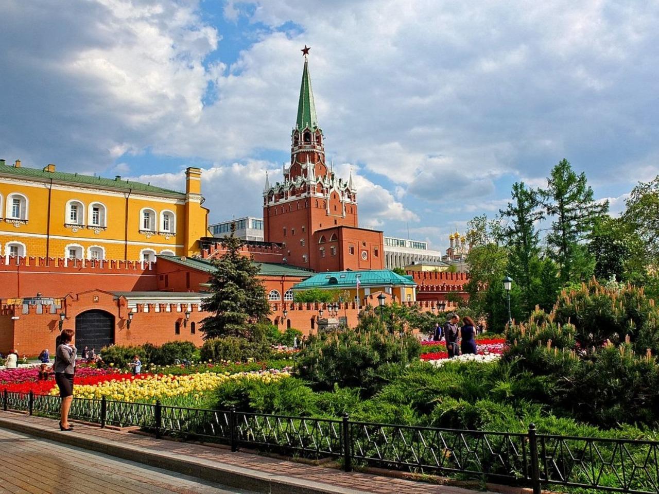 Прогулка по Александровскому саду+Красная площадь  - индивидуальная экскурсия по Москве от опытного гида