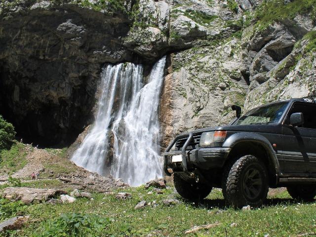 Джип-тур к Гегскому водопаду через топовые локации